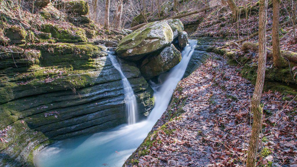 v slot falls in bear creek canyon